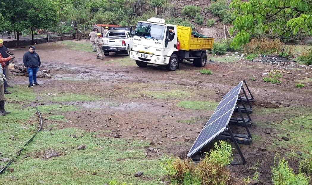 Paneles solares darán energía a 33 familias de la Quebrada de Tuaní - RADIO FÉNIX 95.1